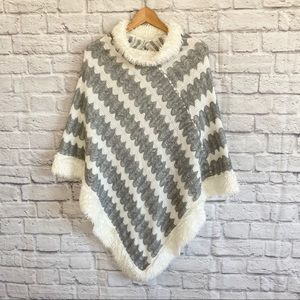 Knitted Gray Ivory White Poncho